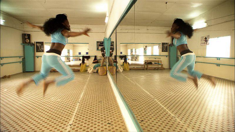cv choregraphe danseuse et prof de danse africaine bintou