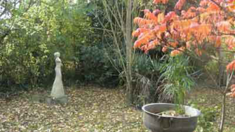 Exposition sculptures en un jardin sauvage vieuvicq eure et loir atelier - Bordure de jardin ancienne en terre cuite ...
