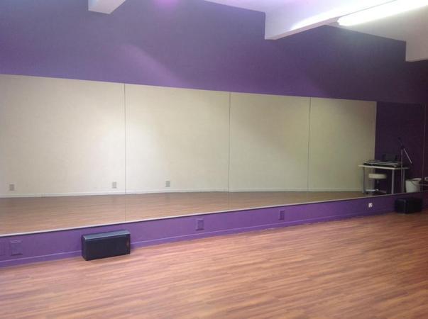 location salle de danse bruxelles pas cher. Black Bedroom Furniture Sets. Home Design Ideas