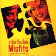 "Projection en plein air du film américain ""The Misfits"" de John Huston, avec Marilyn Monroe, Clark Gable et Montgomery Clift."