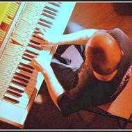 compositeur, improvisateur, pianiste, illustrateur sonore....